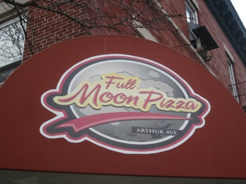 Full Moon Pizza