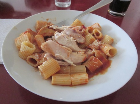 Pasta with chicken gravy