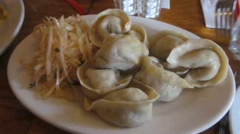 Steamed chicken momos