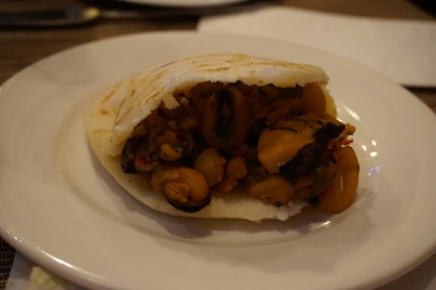 Rompe Colchon (mixed seafood arepa)